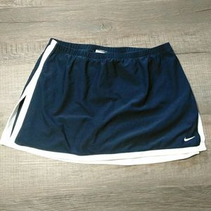 Nike Dri-fit skirt with built in shorts Size Med